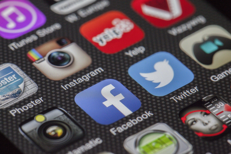 تحقيق المبيعات عبر منصات التواصل الاجتماعي